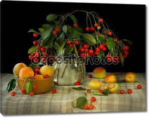 Натюрморт с фруктами и кувшином
