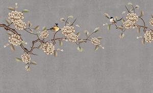 Бутоны цветов на ветках с птицами