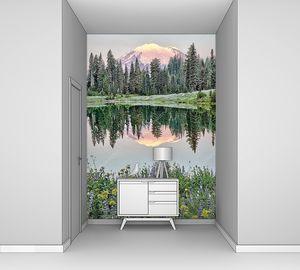 Отражение на озере на рассвете