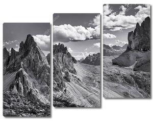 Доломиты, черно-белый пейзаж