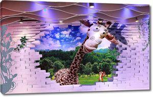 Смешной жираф из стены