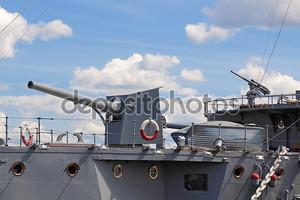 Старый военный корабль