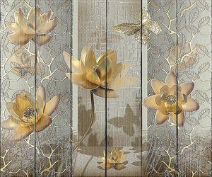 Лотосы и бабочки в золотом цвете