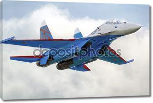 Современный российский истребитель Су-27