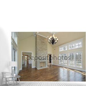 Жилая комната с камином история двух