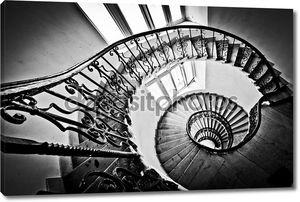 черно-белые винтовая лестница