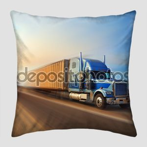Американский грузовик на автостраде
