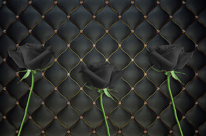 Черные розы на черной коже