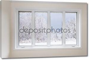 окно с представлением о зимних деревьях