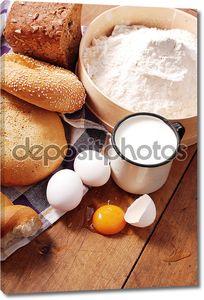 сельских Натюрморт с хлебом и молоко