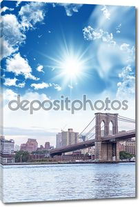 Бруклинский мост с красивым небом