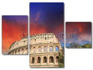 Рим, Колизей. красивый закат цвета в весенний сезон.