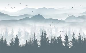 Хвойный лес на фоне гор