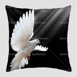 Полет белого голубя
