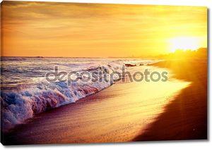 Море пляж заката. Средиземное море. Испания
