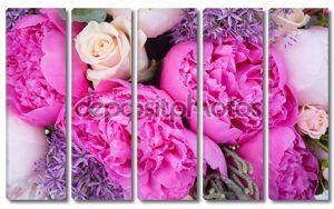 Букет с розовыми пионами