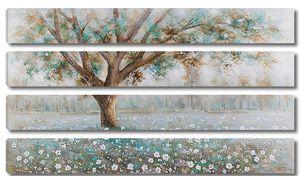 Дерево на цветущей поляне