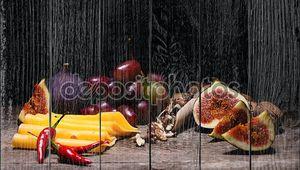 Натюрморт с сыром и инжиром