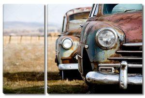 Два ретро автомобиля