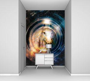 Лошадь  в круге света