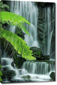 Японский сад с водопадами