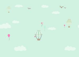 Воздушные шарики в небе с белыми облачками