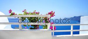 Санторини терраса с цветами