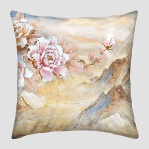 Мраморный фон, горы,  бежевые и розовые цветы