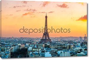 Эйфелева башня восход солнца в Париже