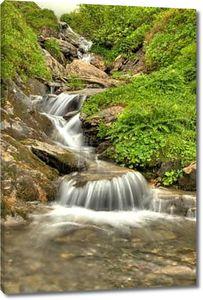 кристально чистой водопад