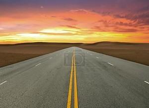 Дорога и закат небо