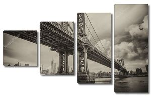 Манхэттенский мост в пасмурныю ночь