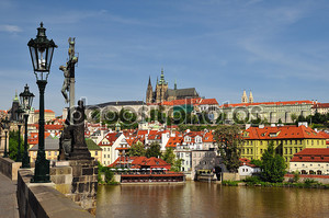 Вид на Пражский Град и Карлов мост