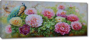 Павлин с яркими цветами