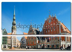 Архитектурный ансамбль Дома Черноголовых и собор Святого Петра. Рига, Латвия, Европа