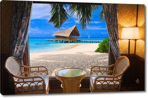 Вид из кафе на пляж