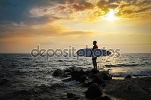 Силуэт закат серфер