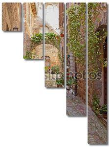 романтическая улица в историческом городе