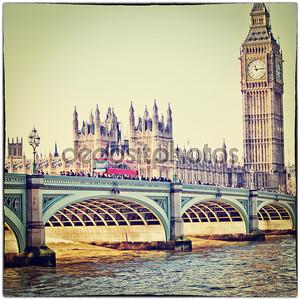 красный автобус на Вестминстерский мост