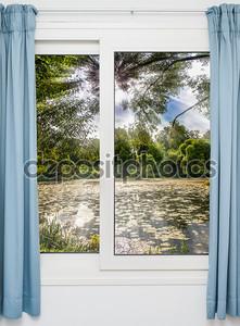 вид из окна на затворе ранним утром