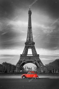 Ретро автомобиль у Эйфелевой башни