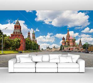 Красная площадь в Москве, вид на Кремль и собор Василия Блаженного