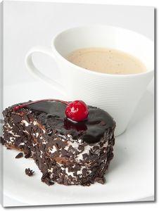Аппетитный десерт и кофе