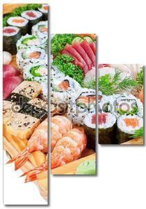 Восточное лакомство суши икра, лосось крупным планом.