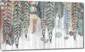 Плети листьев на заборе