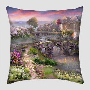 Сказочный сад в лучах заката