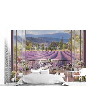 Вид с балкона на лавандовые поля