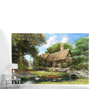 Дом в парке у реки