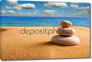 Zen камни на пляже