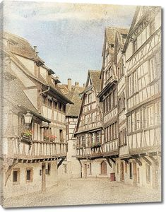 Старинная фотография с высокими домами